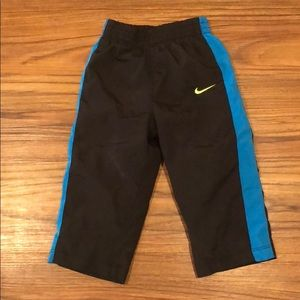 Mike wind pants! Size 18 months!